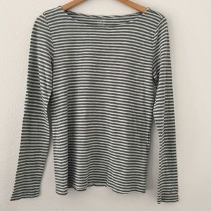 3/$25🌸 J. Crew Painter Boatneck T-Shirt flaw